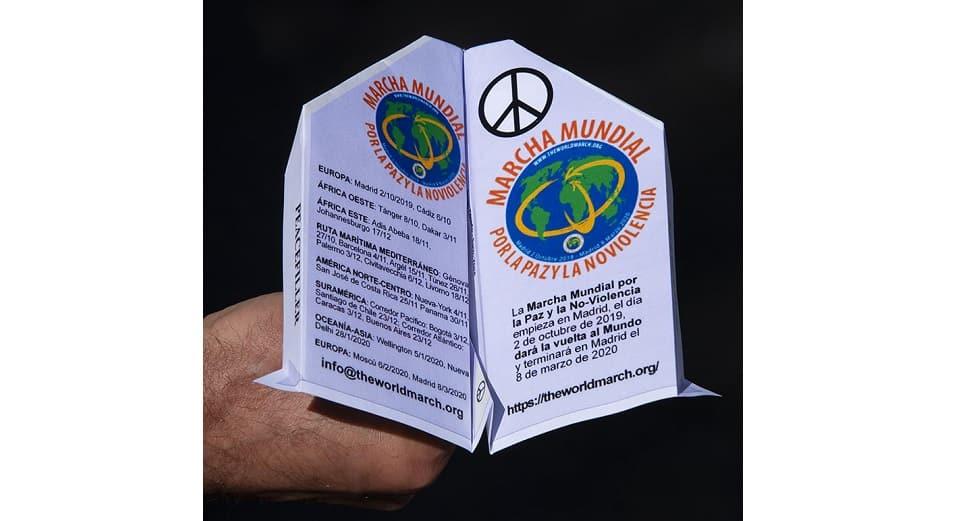The World March Paper flugvél