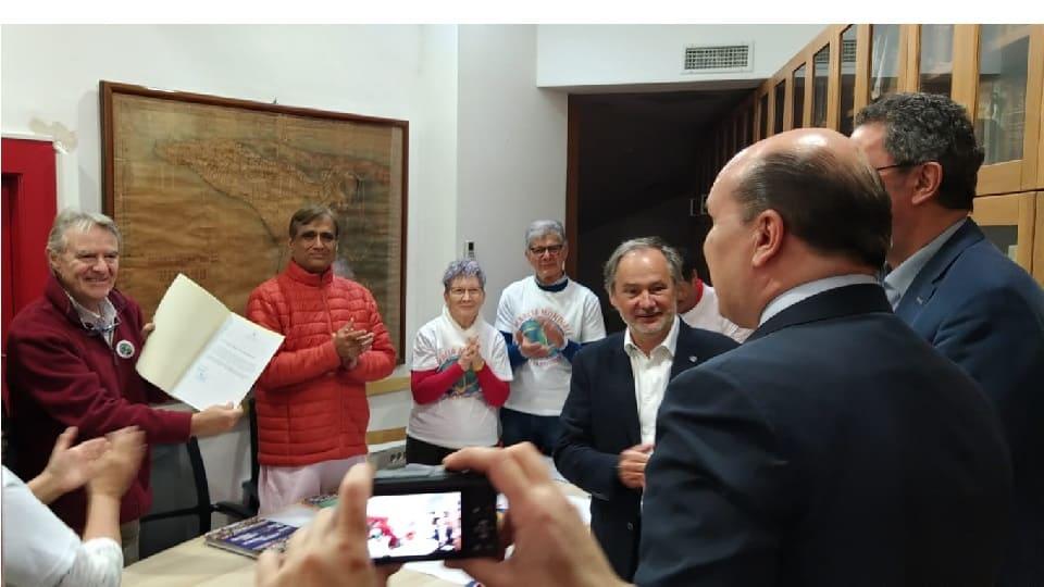 El Alcalde de Piran con la Marcha Mundial