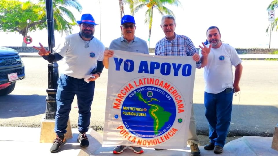 Rafael de la Rubia en la Marcha Latinoamericana